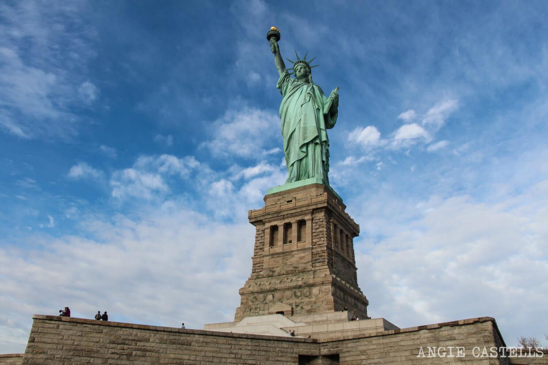 Visitar Estatua de la Libertad y subir a la corona y el pedestal
