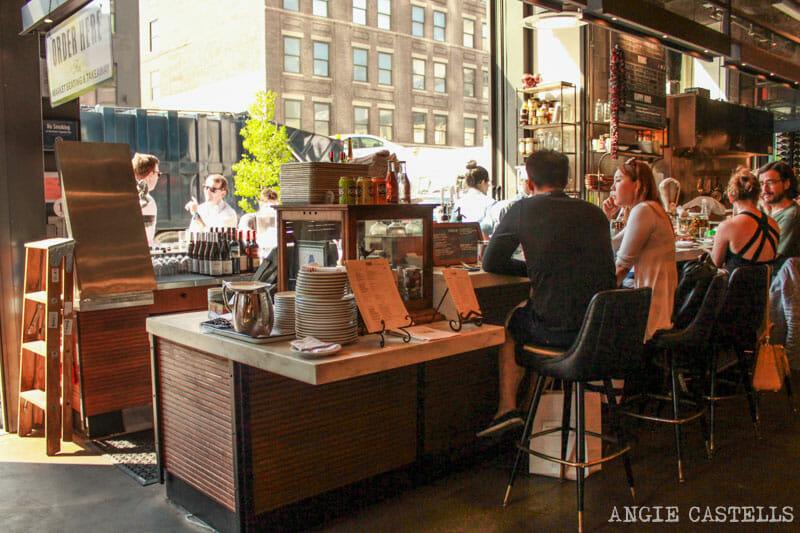 Comer en Nueva York mercado Gotham West Market-1