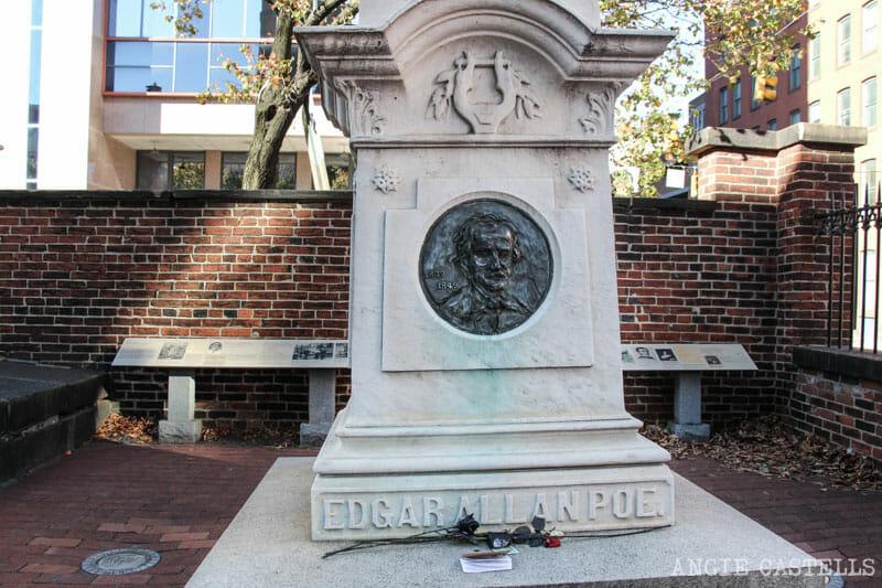 Guía de Baltimore qué ver en 2 días tumba Edgar Allan Poe