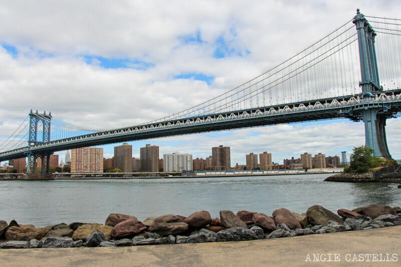 Cruzar el puente de Manhattan a pie desde Dumbo