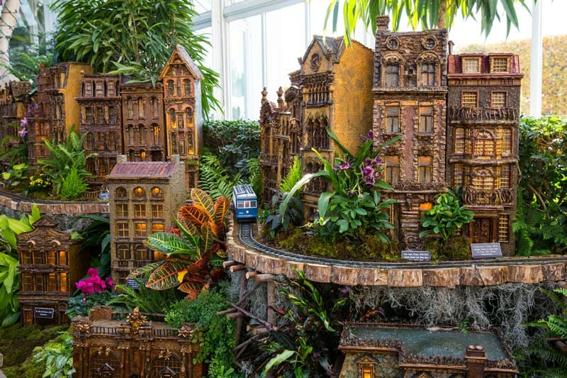 C mo visitar el jard n bot nico de nueva york en el bronx for New york botanical gardens train show
