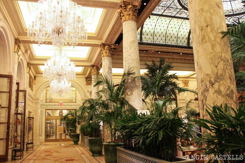 Que-ver-Nueva-York-un-dia-Ruta-Manhattan-Plaza-Hotel