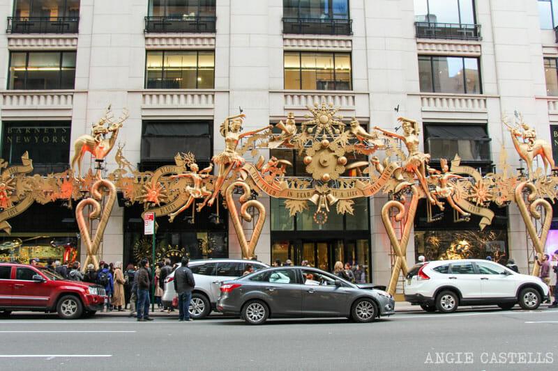 Mejores-escaparates-decoraciones-Navidad-Nueva-York-Barneys