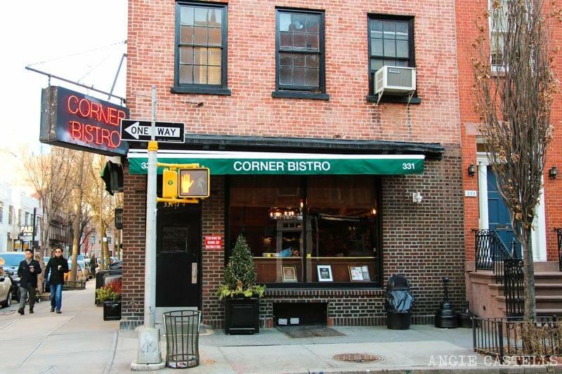 Dónde comer en el West Village de Nueva York: las hamburguesas de Corner Bistro