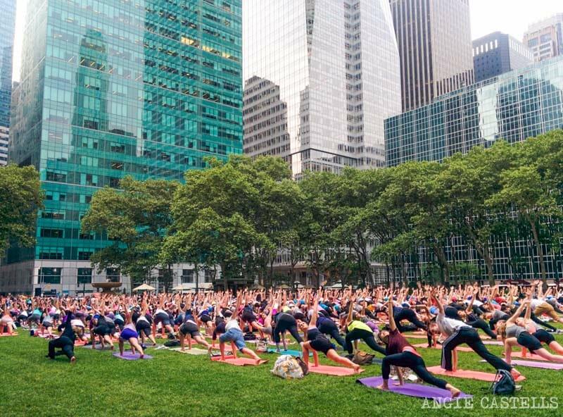 Qué hacer gratis en Nueva York - Yoga en Bryant Park