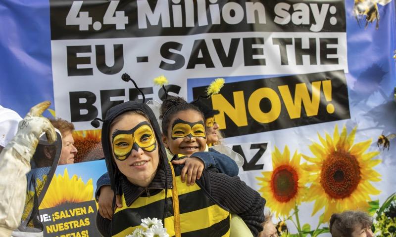 ЄС заборонив пестициди