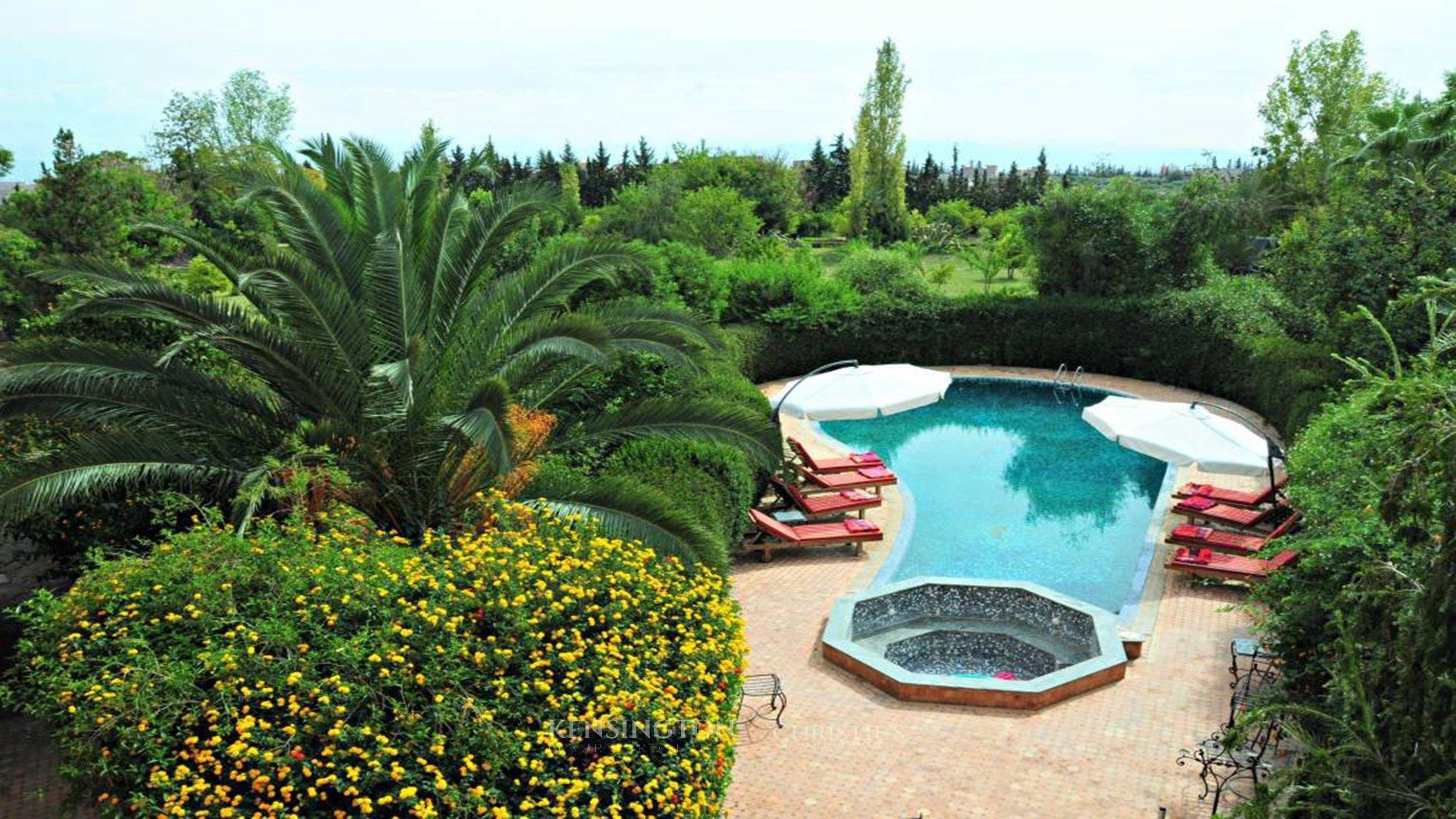 Villa de luxe vendre marrakech villa route de ourika for Villa des jardins marrakech