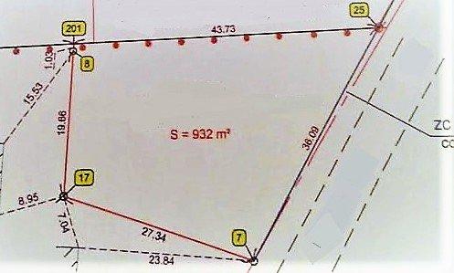 A moins de 5 mn d'Hurigny, en campagne sans vis à vis et disposant d'une vue dégagée, terrain constructible d'une surface de 932 m². Viabilité en bordure, libre constructeur.  Belle opportunitée !
