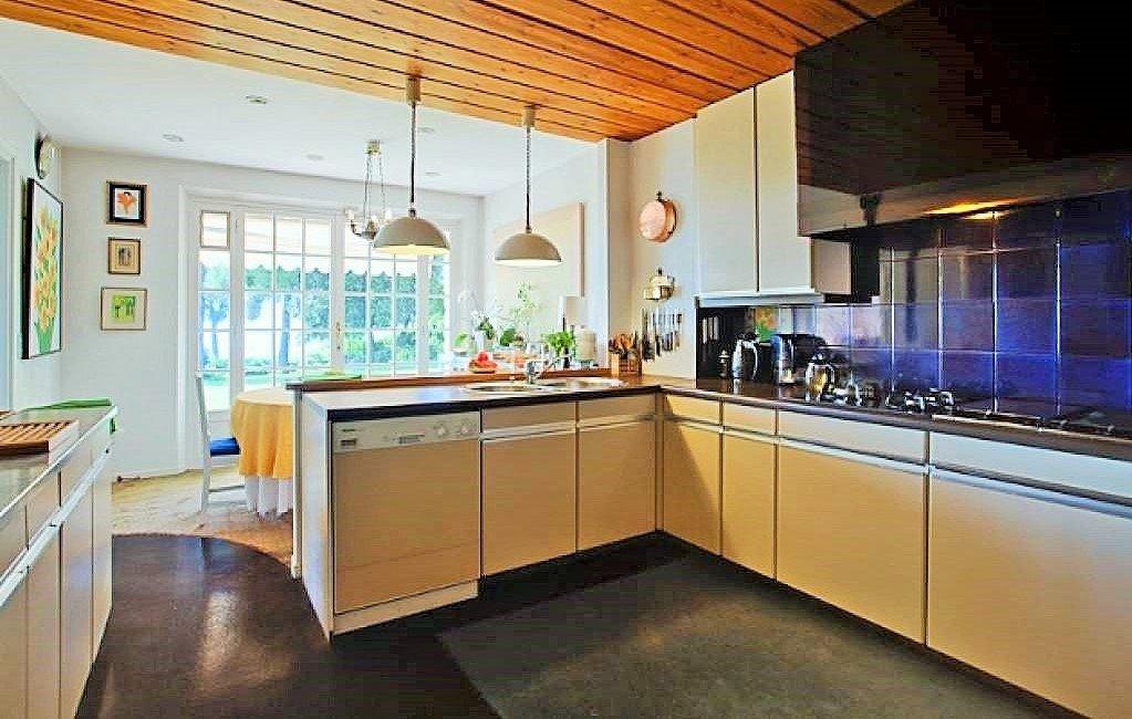 Villa / Property for Sale in La Colle-Sur-Loup, France