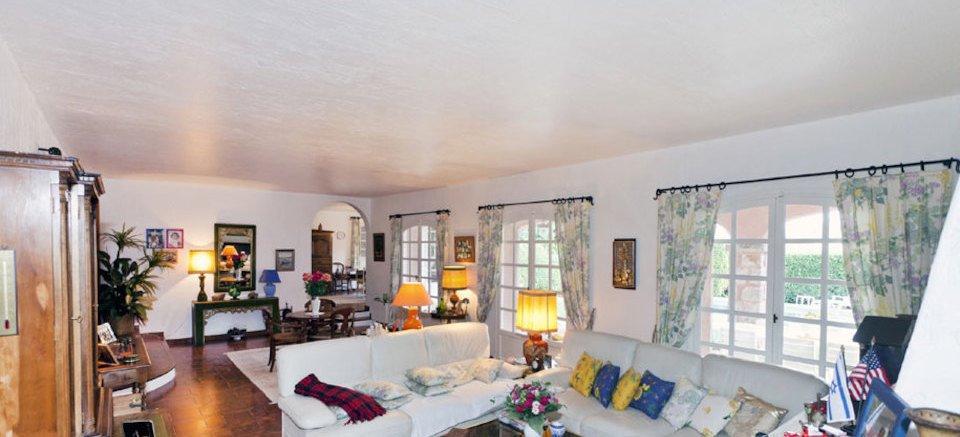Villa / Property for Sale in Mouans-Sartoux, France