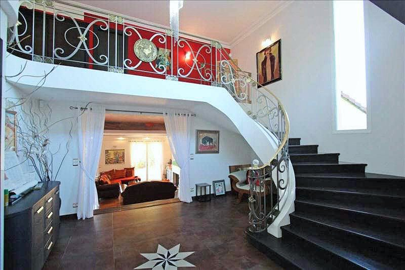 Villa / Property for Sale in Mouans-Sartoux, France