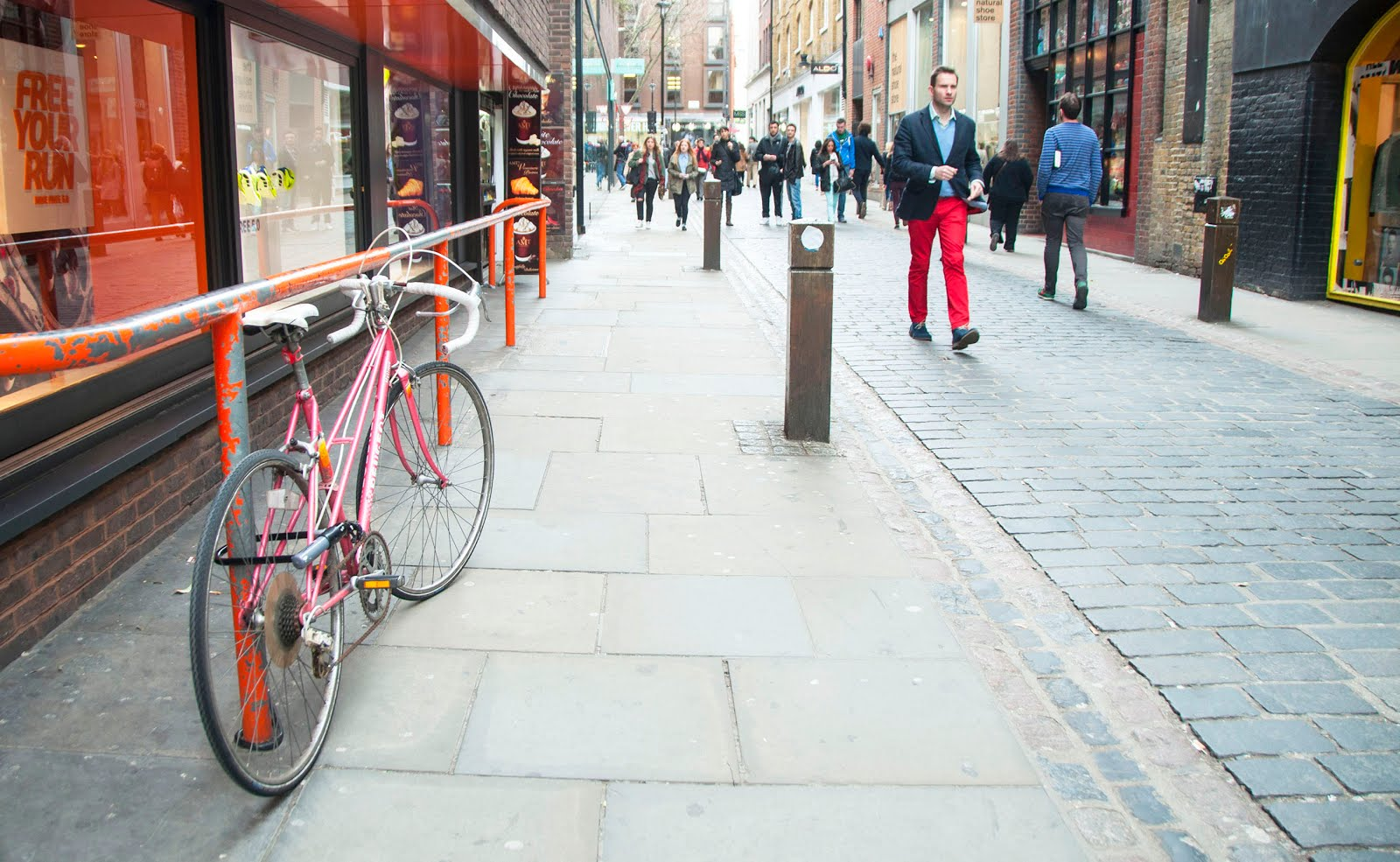 covent garden red bike
