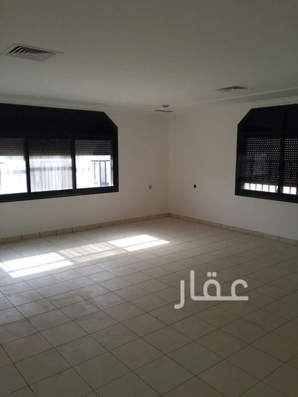 فيلا للإيجار فى صالة أفراح الشيخ سالم العلي ، حي قرطبة 8