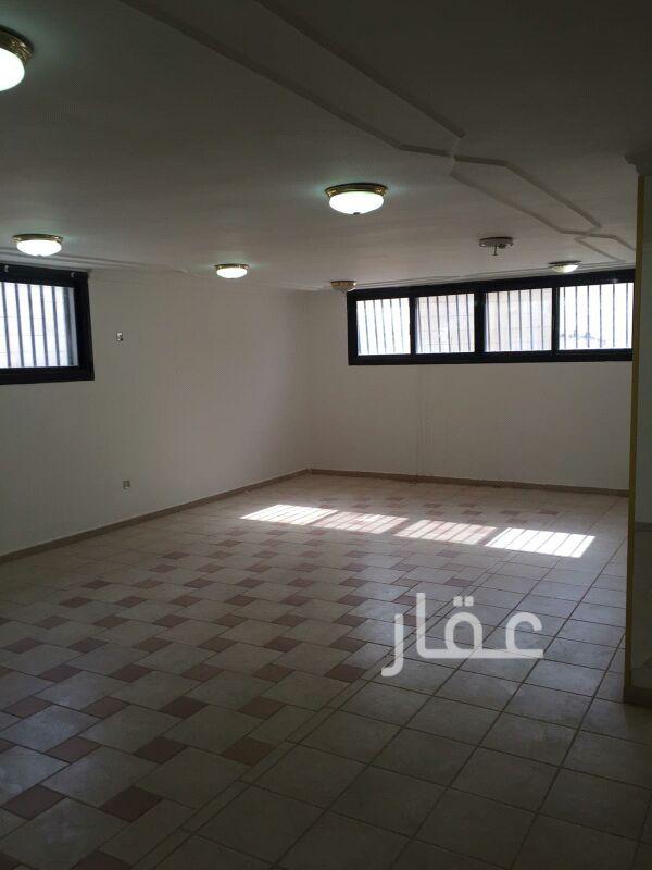 فيلا للإيجار فى صالة أفراح الشيخ سالم العلي ، حي قرطبة 101