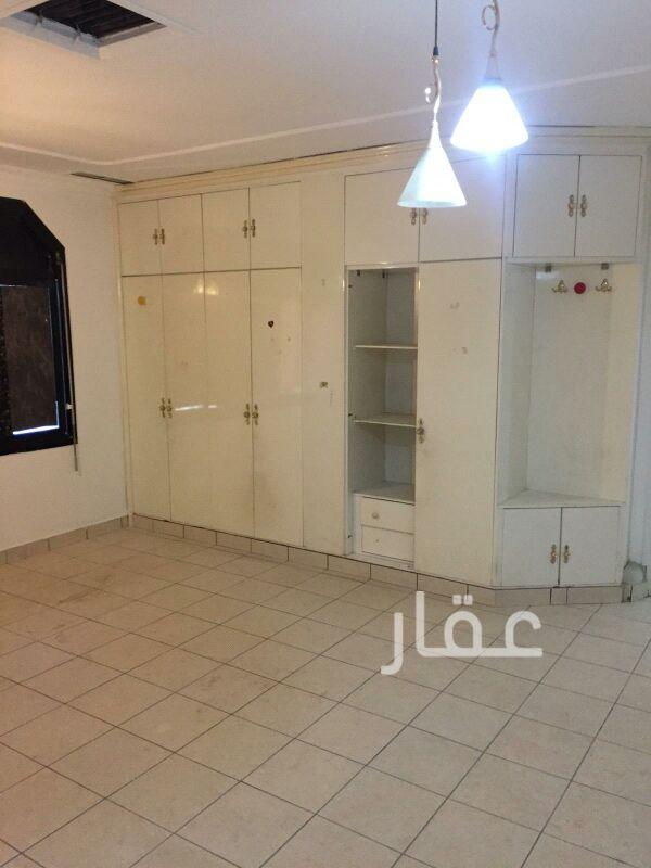 فيلا للإيجار فى صالة أفراح الشيخ سالم العلي ، حي قرطبة 14