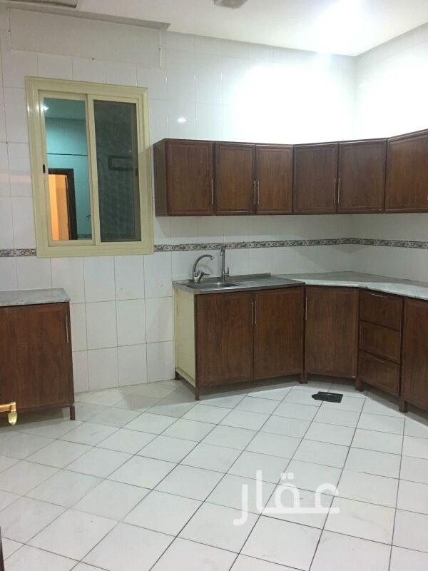 شقة للإيجار فى شارع 72 Street ، حي كيفان 0