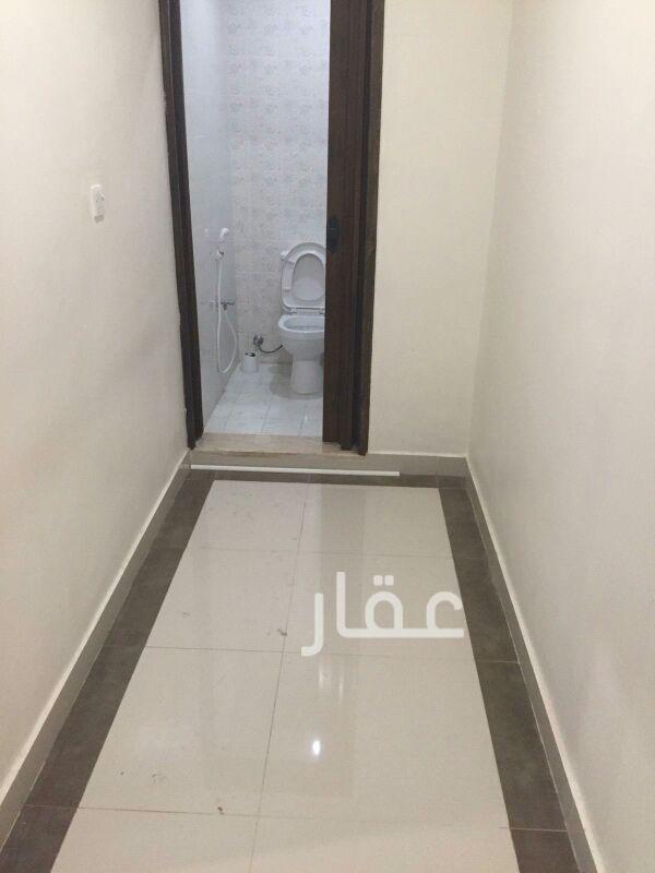شقة للإيجار فى شارع 715 ، حي السلام 4