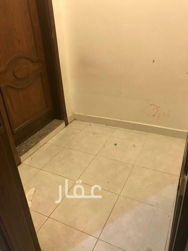 شقة للإيجار فى شارع 720 ، حي السلام 21