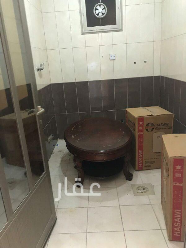 شقة للإيجار فى شارع 720 ، حي السلام 81