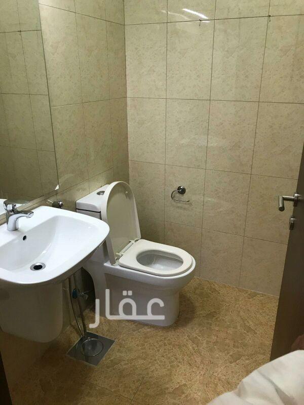 شقة للإيجار فى شارع 720 ، حي السلام 10