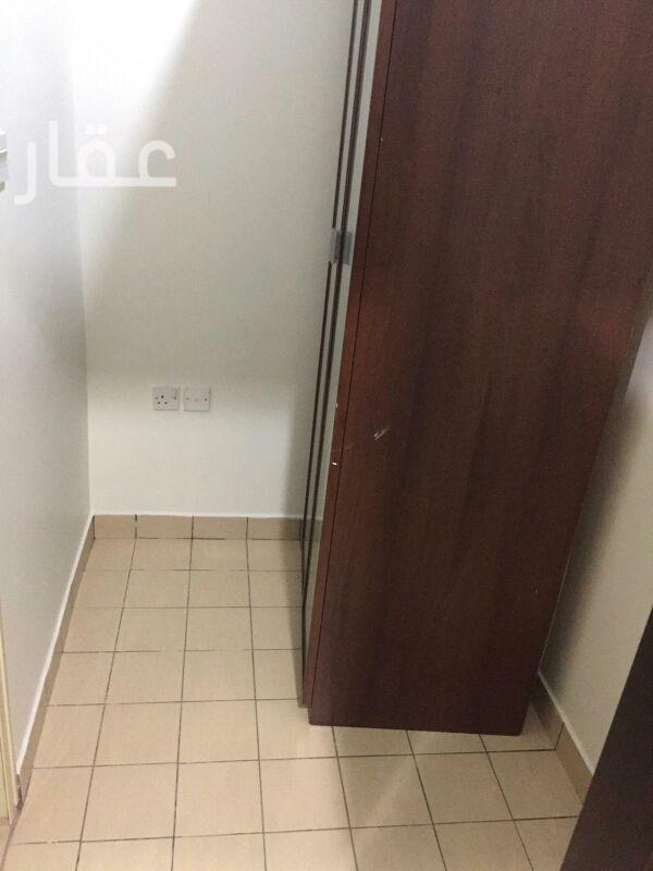 شقة للإيجار فى شارع 712 ، حي السلام 21