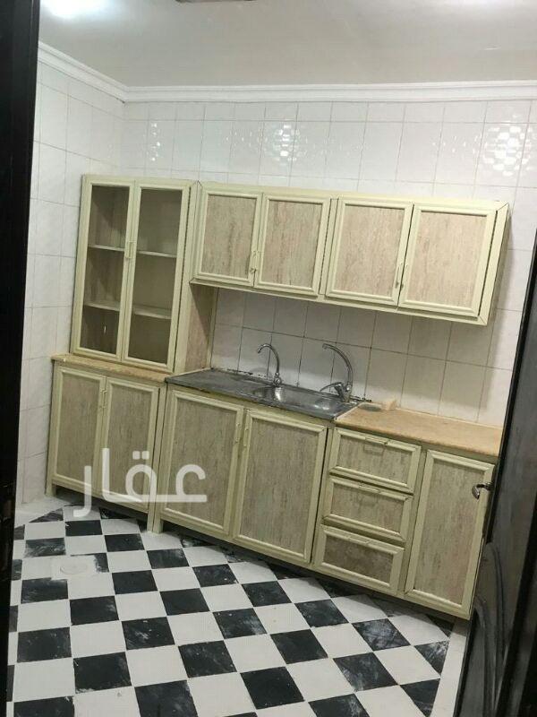 شقة للإيجار فى شارع 205 ، حي الشهداء 0