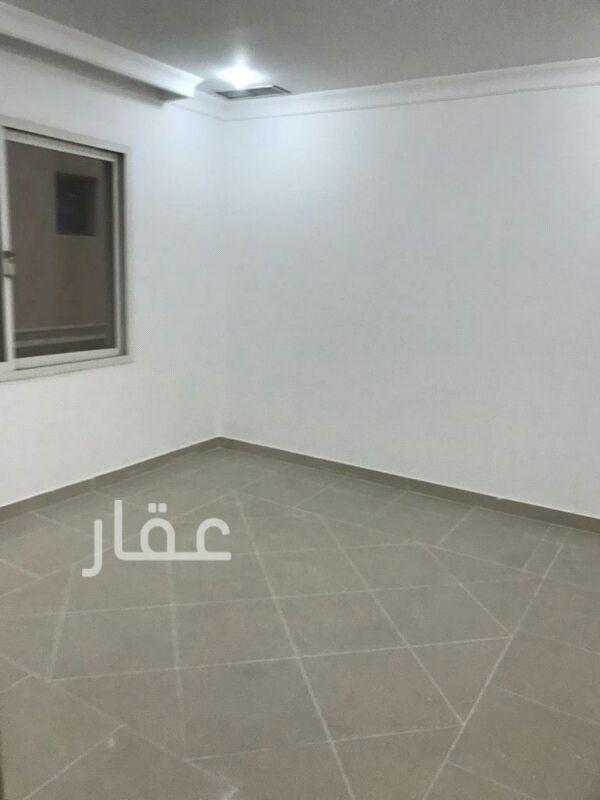 شقة للإيجار فى شارع 205 ، حي الشهداء 4