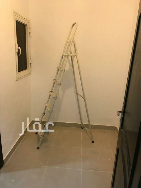 شقة للإيجار فى شارع 205 ، حي الشهداء 6