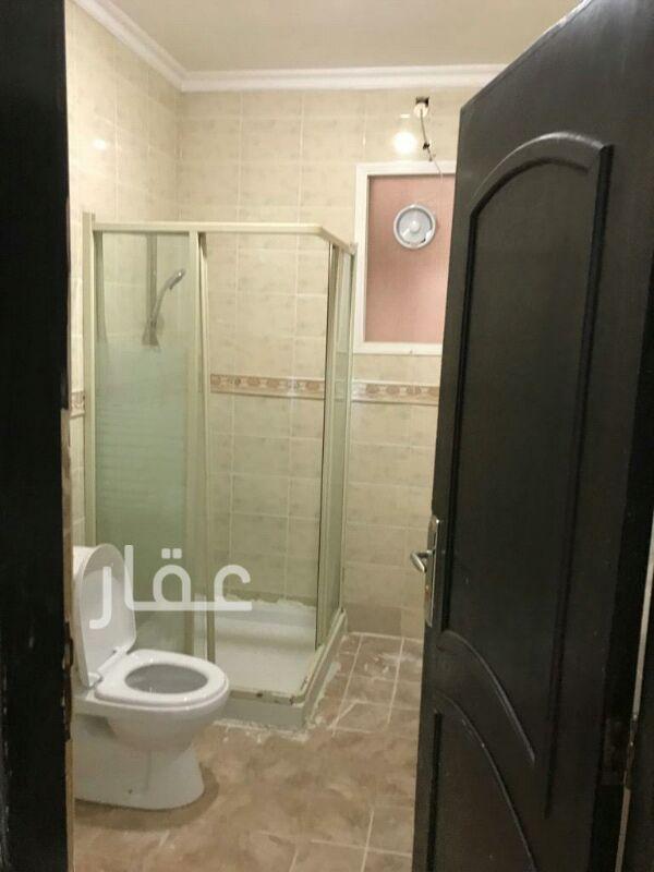 شقة للإيجار فى شارع 205 ، حي الشهداء 81