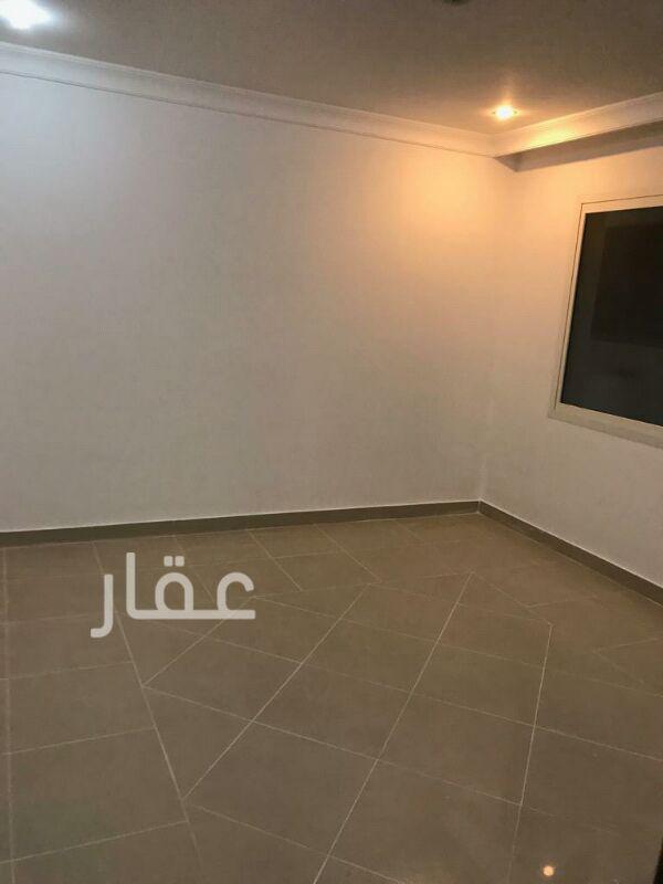 شقة للإيجار فى شارع 205 ، حي الشهداء 10