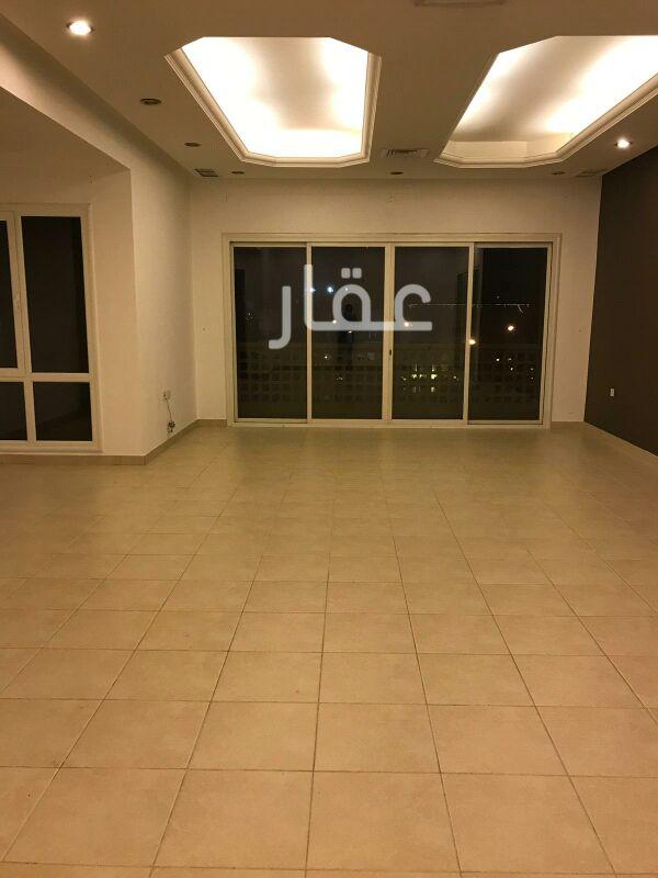 شقة للإيجار فى شارع 323 ، حي السلام 10