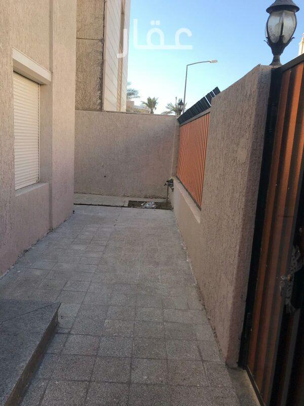 فيلا للإيجار فى 28-36 ، شارع 512 ، حي الشهداء 8