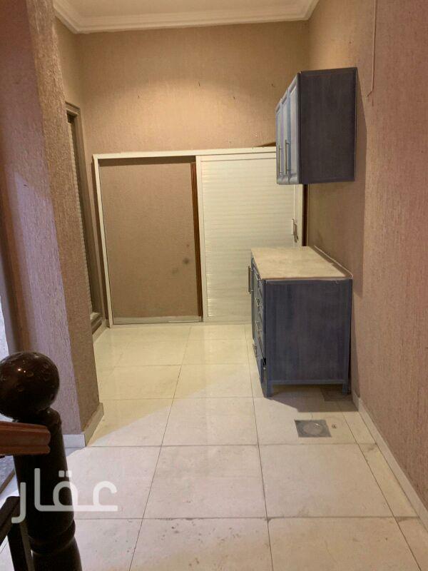 شقة للإيجار فى شارع 52 ، فنيطيس 21