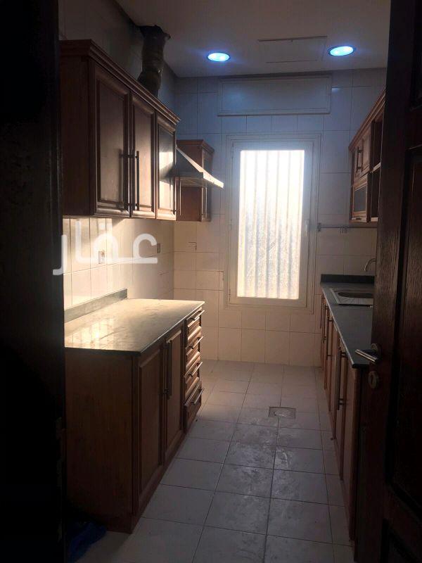 شقة للإيجار فى 34a ، شارع 48 ، حي الروضة 6