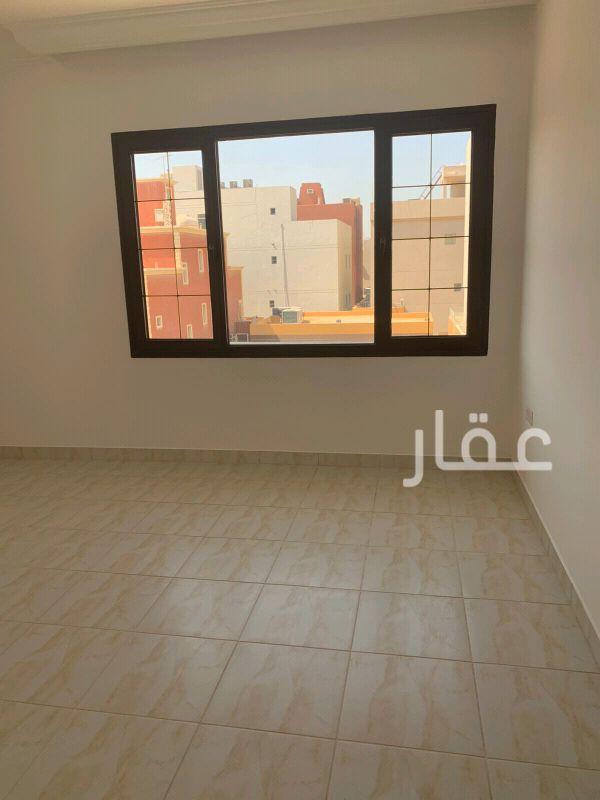 فيلا للإيجار فى شارع 4 ، ضاحية مبارك العبدالله 0
