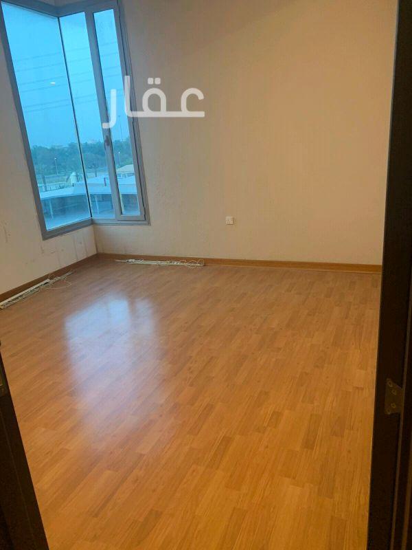 شقة للإيجار فى شارع 318 ، حي السلام 21