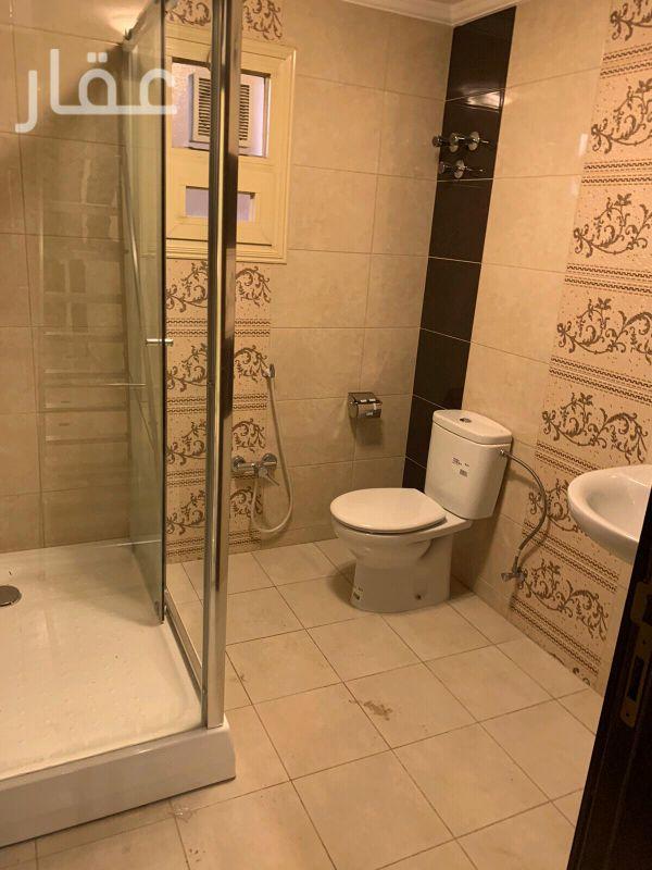 شقة للإيجار فى شارع 108 Street ، حي الشهداء 01