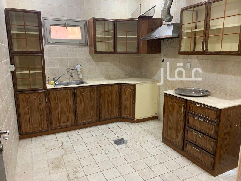 شقة للإيجار فى حي الشهداء 01