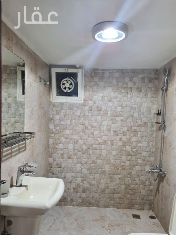 شقة للإيجار فى صالة أفراح الشيخ سالم العلي ، حي قرطبة 2