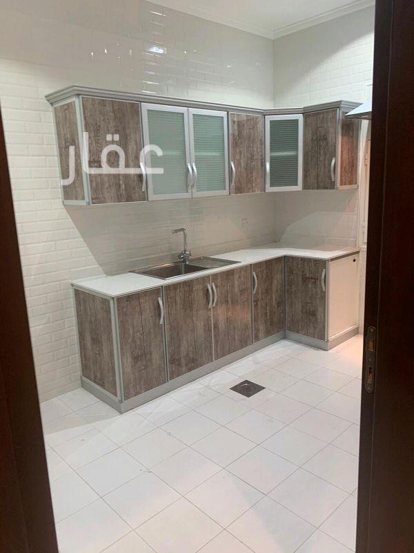 شقة للإيجار فى شارع 411 ، حي الشهداء 01