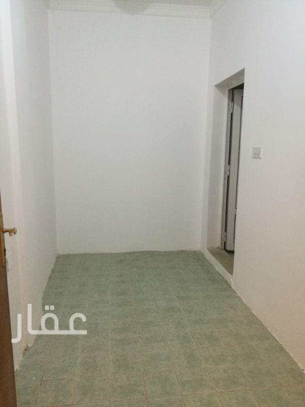 شقة للإيجار فى شارع 116 ، حي حطين 8