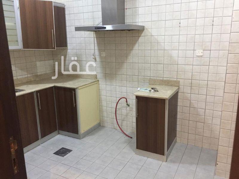 شقة للإيجار فى شارع 236 ، حي الصديق 8