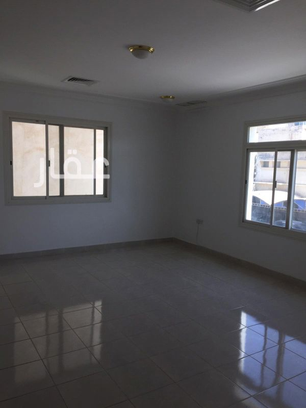 شقة للإيجار فى شارع عبدالحميد عبدالعزيز الصانع ، حي كيفان ، مدينة الكويت 2