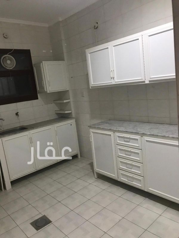 شقة للإيجار فى شارع 415 ، حي الشهداء 2