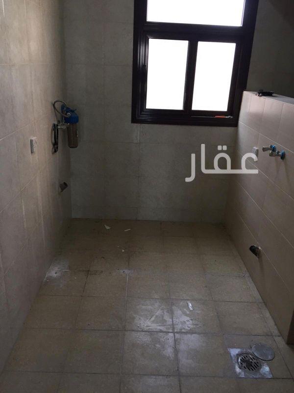 شقة للإيجار فى حديقة قطعة 6 ، 54-72 ، شارع 601 ، حي السلام 01