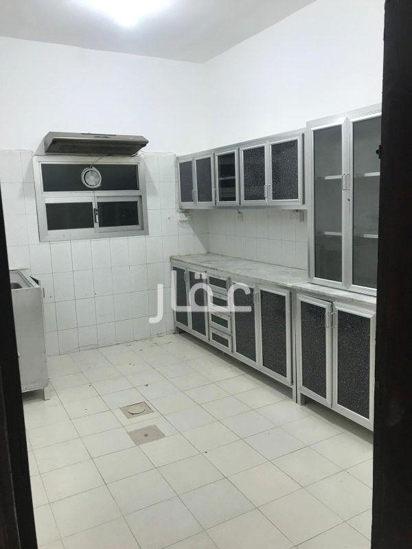 شقة للإيجار فى شارع عبدالعزيز محمد الدعيج ، حي القادسية 4
