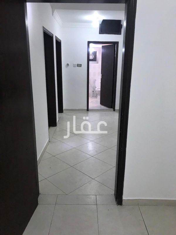 شقة للإيجار فى شارع عبدالعزيز محمد الدعيج ، حي القادسية 6