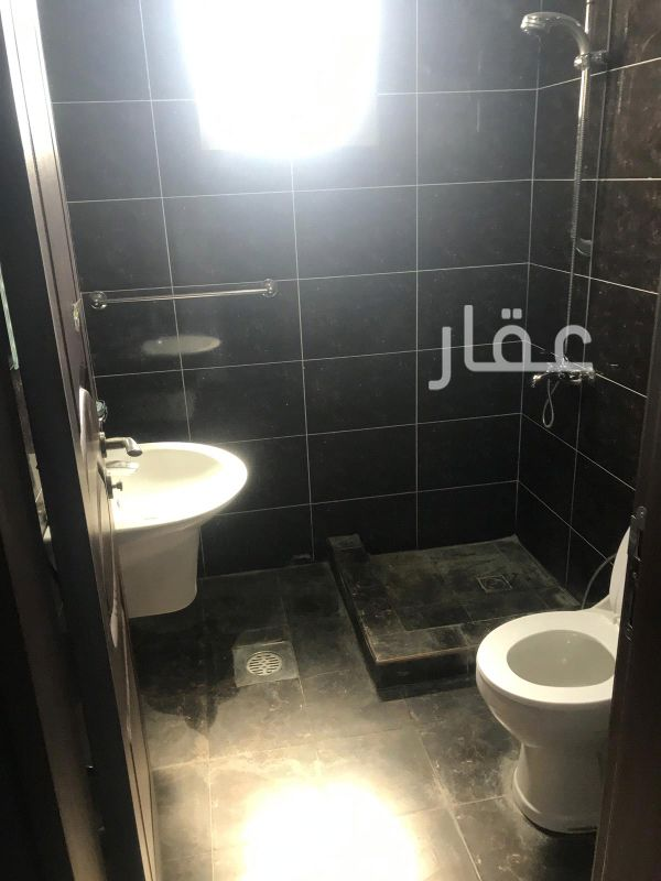 شقة للإيجار فى حي السلام 81