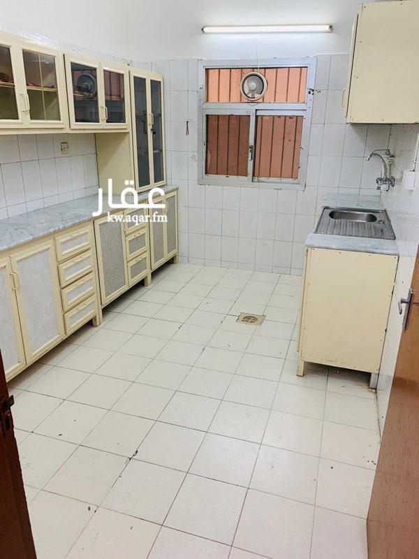 شقة للإيجار فى شارع محمد حبيب البدر, القادسية 4