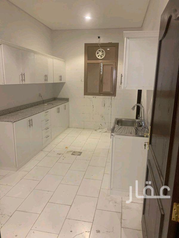 شقة للإيجار فى شارع 3 ، حي بيان 0